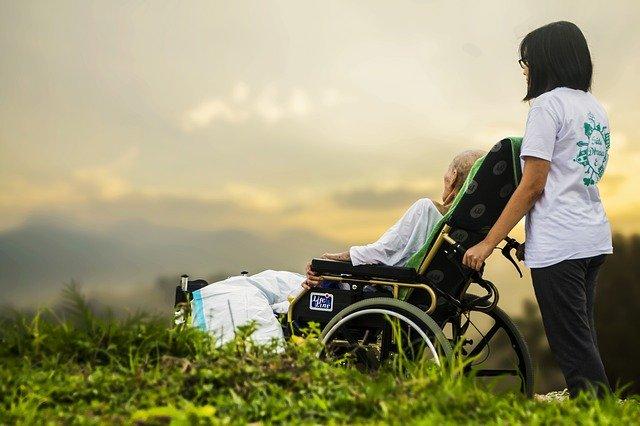 Curso-cuidador-idoso-gratuito