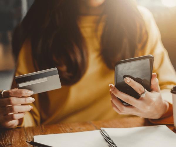 qual a diferença de debito e credito no cartão