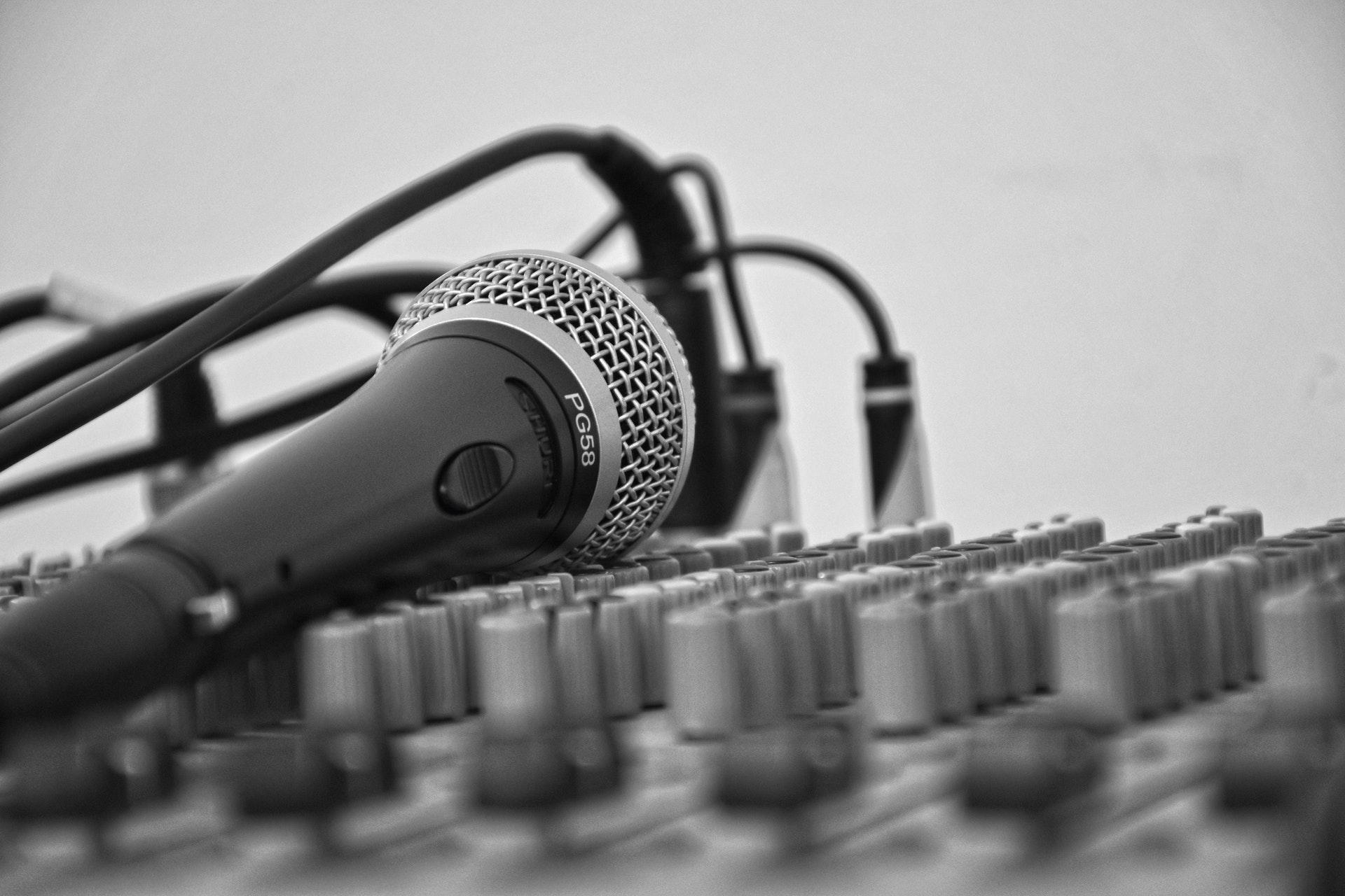 Curso de Locutor e Prática de Locução de Rádio